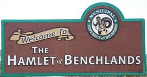 Benchlands-sign